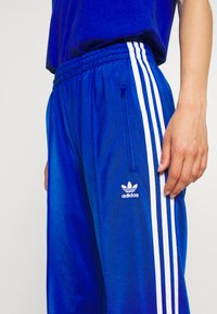 adidas Originals - FIREBIRD - Träningsbyxor - team royal blue - 3