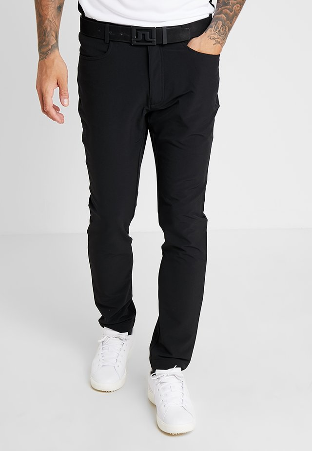 GENIUS TROUSERS - Korte broeken - black