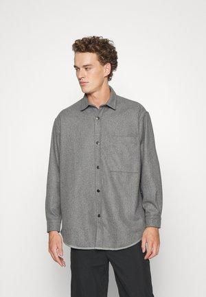 OVERSHIRT - Skjorte - grey
