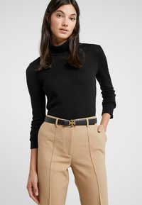 Tory Burch - KIRA LOGO BELT - Belt - black/gold-coloured - 1
