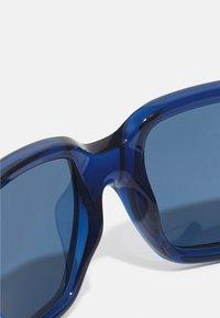 Ray-Ban - JUNIOR UNISEX - Sluneční brýle - transparent blue - 4