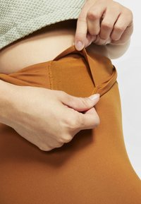 Nike Performance - ONE LUXE - Tights - burnt sienna - 5