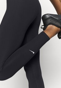 Nike Performance - ONE - Legginsy - black - 4