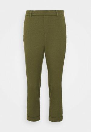 VMMAYA SOLID PANT - Tygbyxor - ivy green