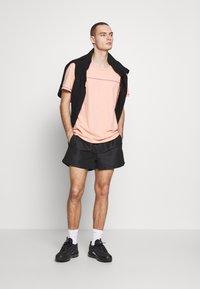 Metissier - LIMONT - Shorts - black - 1
