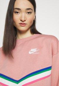 Nike Sportswear - Sweatshirt - rust pink/white - 4