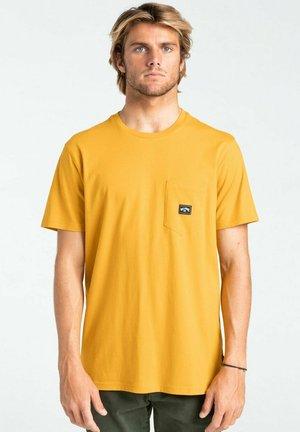 Print T-shirt - mustard