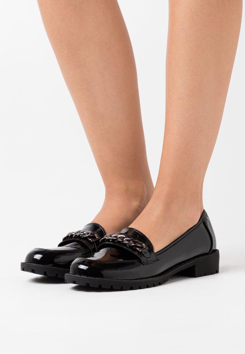 Wallis - BROOKE - Slip-ons - black