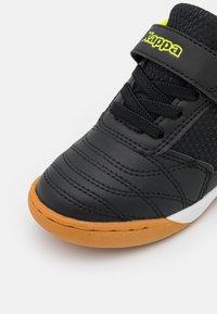 Kappa - DAMBA UNISEX - Sports shoes - black/yellow - 5