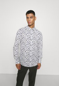 Only & Sons - ONSSANDER LIFE STRETCH - Shirt - bright white - 0