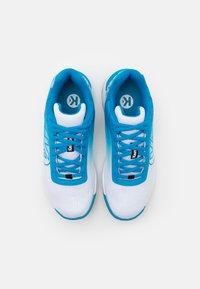 Kempa - ATTACK 2.0 WOMEN - Käsipallokengät - white/blue - 3