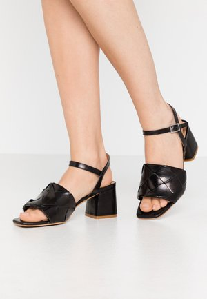 SLOANE - Sandaalit nilkkaremmillä - black
