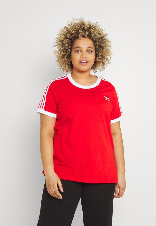 3 STRIPES TEE - T-shirt z nadrukiem - red