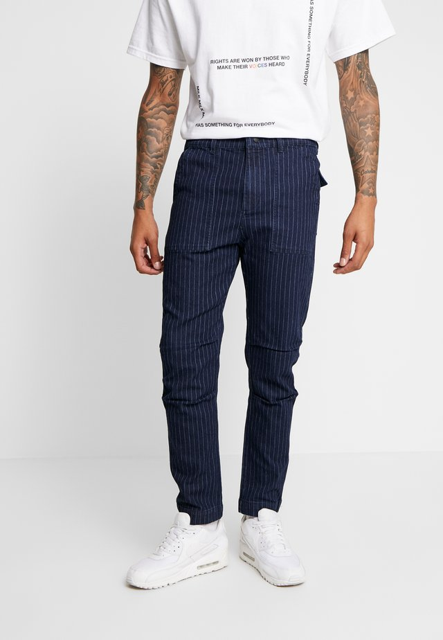 WOODLAND STRIPED PANT - Stoffhose - dark denim