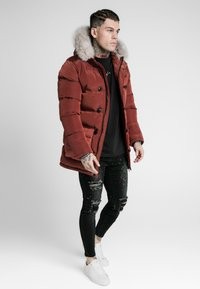 SIKSILK - STOP PUFF - Zimní kabát - red - 1