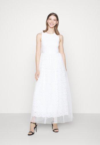 VICARMELA MAXI DRESS - Occasion wear - cloud dancer