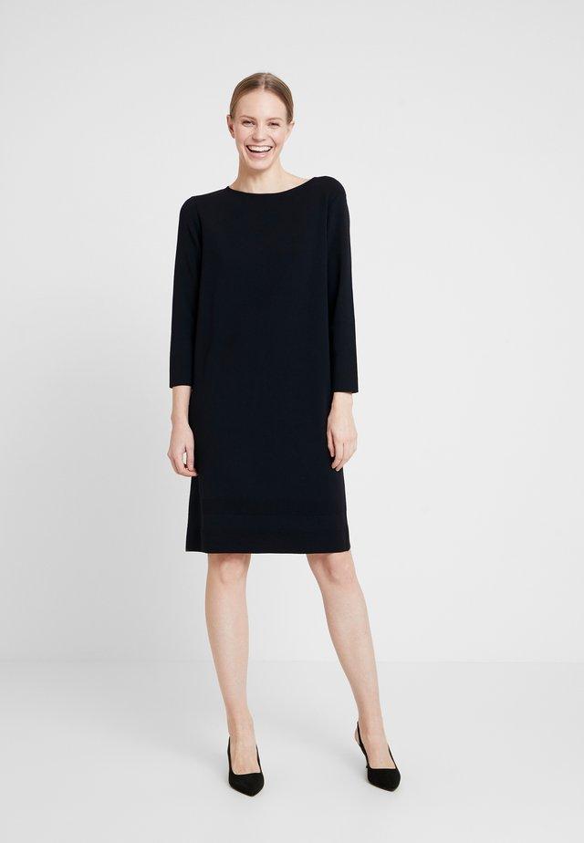 Strikket kjole - navy