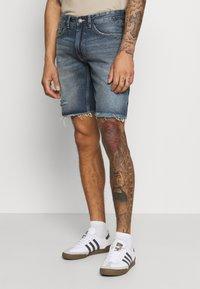 Redefined Rebel - RROSAKA - Denim shorts - blue denim - 0
