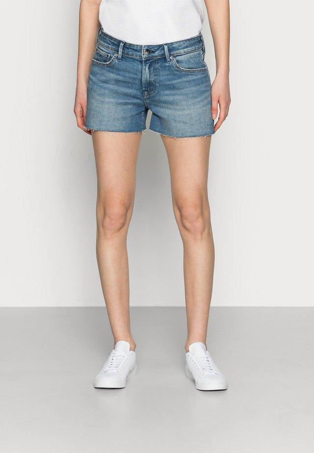 MONROE SHORT BLAUTH - Denim shorts - blue