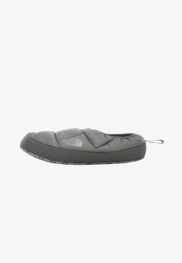 M NSE TENT MULE III - Zapatillas de entrenamiento - mottled grey