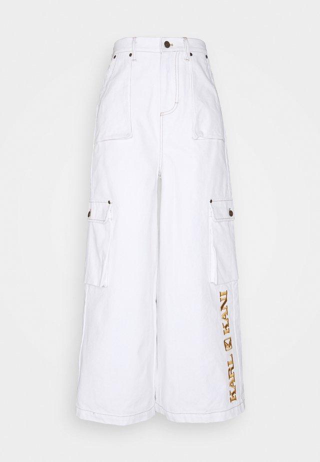 RETRO BAGGY PANTS - Broek - white