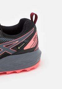 ASICS - GEL SONOMA 6 GTX - Trail running shoes - black/metropolis - 5