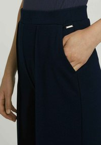 TOM TAILOR DENIM - RELAXED CULOTTE MIT RECYCELTEM - Trousers - dark blue - 3