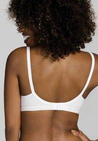 DORINA - SOFT-BH - Triangle bra - white - 2