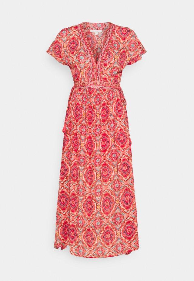 VESTIDO MAND - Vestido informal - pink
