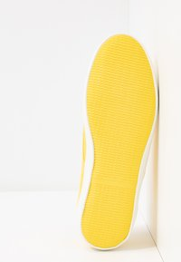 s.Oliver - LACE-UP - Tenisky - yellow - 6