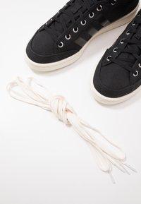 adidas Originals - AMERICANA DECON - Zapatillas altas - core black/core white - 5
