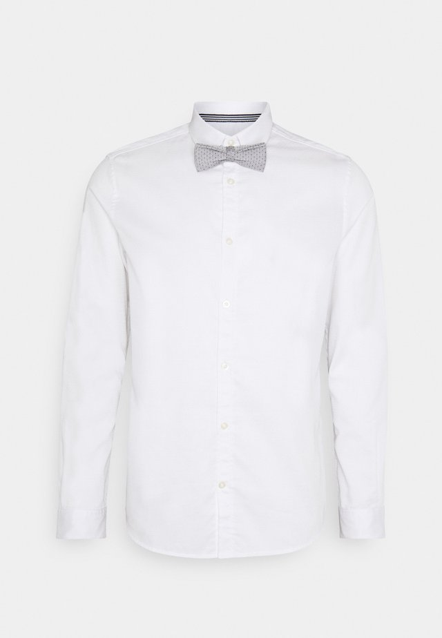 FITTED EASY CARE WITH BOWTIE - Shirt - white