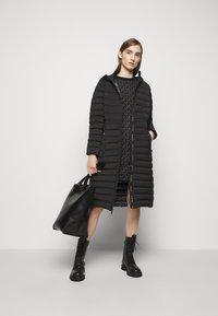 MICHAEL Michael Kors - LONG STRETCH PACKABLE - Down coat - black - 1