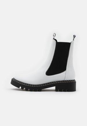 BOOTS  - Stiefelette - white
