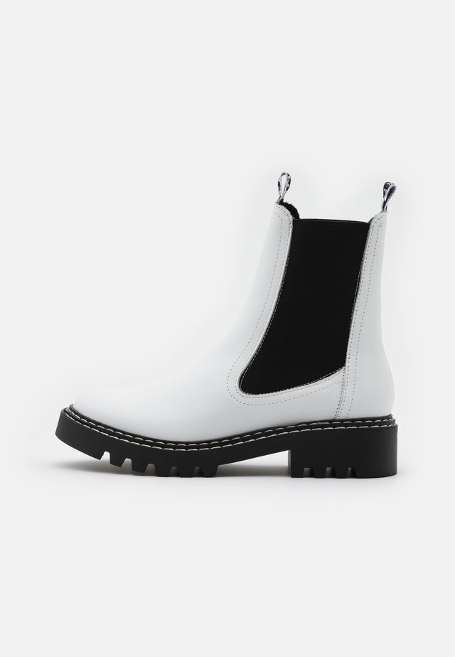 BOOTS  - Nilkkurit - white