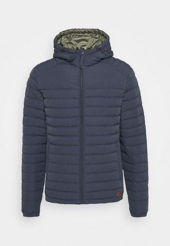 JJBASE LIGHT HOOD JACKET - Light jacket - ombre blue