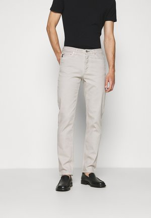 ARCHER - Slim fit jeans - dirty white