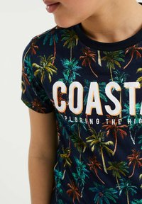 WE Fashion - MET PALMBOOMDESSIN - T-shirt con stampa - multi-coloured - 1