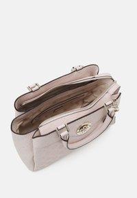 Guess - DAYANE TRIPLE SATCHEL - Handbag - blush - 2