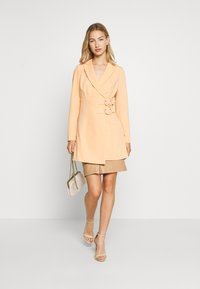 4th & Reckless - JESSIE DRESS - Abrigo corto - orange - 1