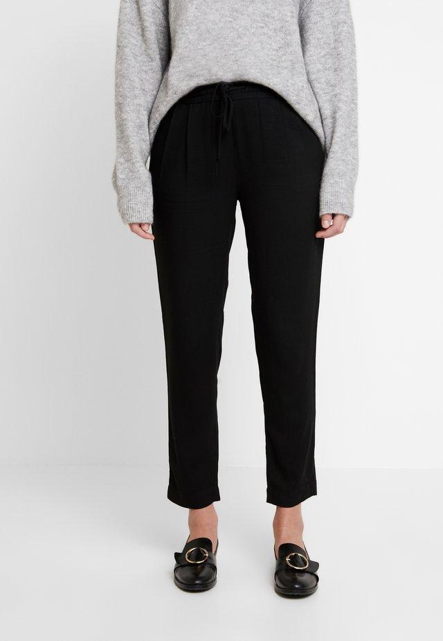 LEWIS PANTS - Trousers - black