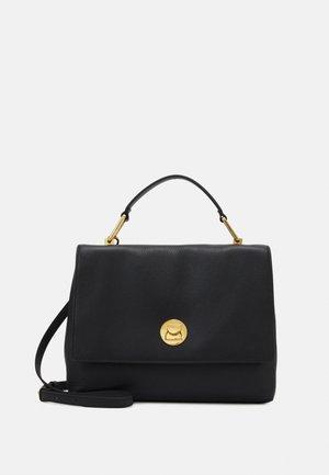 LIYA CROSSBODY - Håndtasker - noir/noir