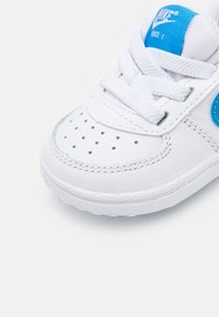 Nike Sportswear - FORCE 1 CRIB - Chaussures premiers pas - white/blue - 5