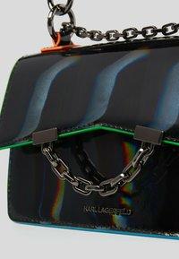 KARL LAGERFELD - SEVEN IRIDESCENT  - Handbag - black - 3