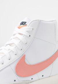 Nike Sportswear - BLAZER MID '77 - Zapatillas altas - white/atomic pink - 3