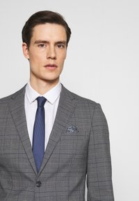 Lindbergh - CHECKED SUIT - Completo - grey - 6
