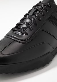 HUGO - MATRIX - Sneakersy niskie - black - 5