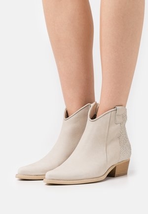 WEST - Cowboy/biker ankle boot - pacifico/offwhite