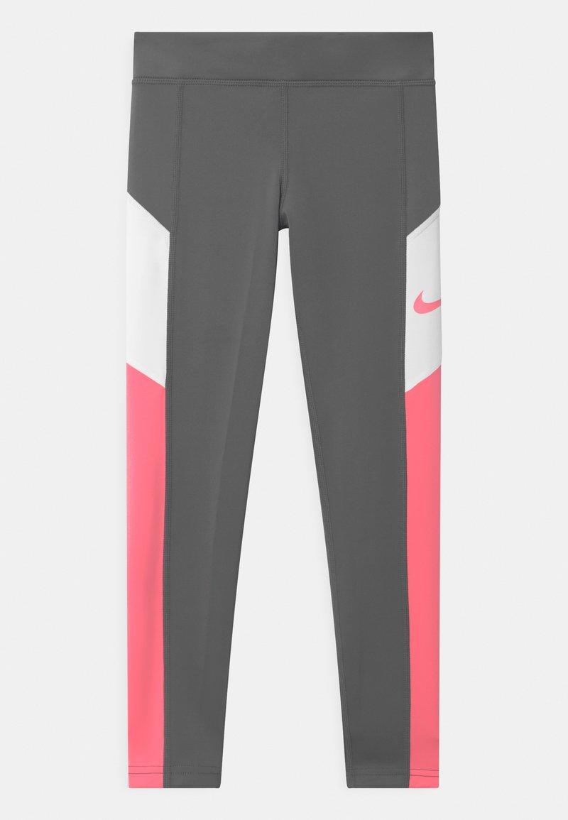 Nike Performance - TROPHY - Medias - smoke grey/sunset pulse/white