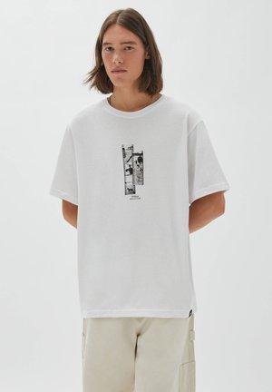 mit Rollen - Print T-shirt - white